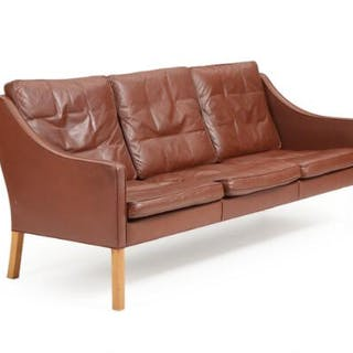 Børge Mogensen: Three-seater sofa upholstered with brown leather