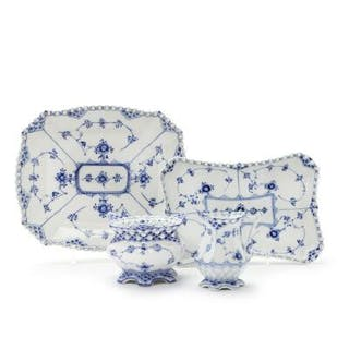 """""""Blue Fluted Full Lace"""" sugar bowl"""