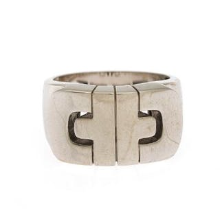 "Bulgari: A ""Parentesi"" ring of 18k white gold. Size 62.5. Weight app. 13 g."