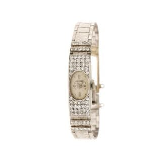 Lucerne: A lady's wristwatch of 14k white gold