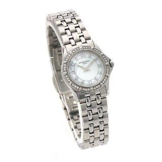 Raymond Weil: A lady's wristwatch of steel