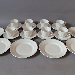 Gustavsberg Dine 8 st kaffekoppar med fat.+ 6 st assietter