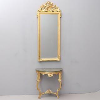Antik spegeln med konsolbord i rokoko förgyllda med äkta bladguld