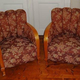 2 Fåtöljer 1940-tal rödbrunt tyg, blommönster i vitt Vintage Retro
