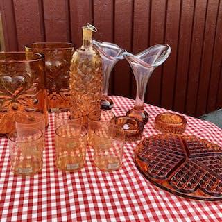 ! Mantorp Glasbruk brunt vaser ljusstakar våffelfat karaff med glas
