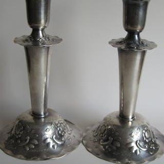 silverljusstakar,GRB D9,år 1954, ETT PAR LJUSSTAKAR,silver