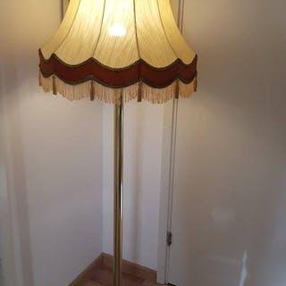 Golvlampa Lampa mässing.