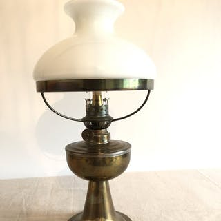 Fotogenlampa bordslampa fotogen oljelampa