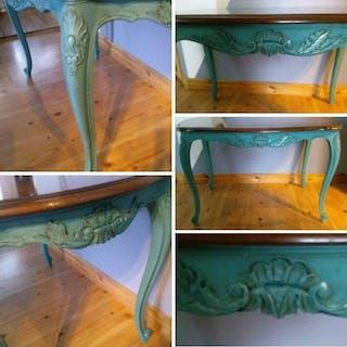 romantiskt litet nymålad soffbord Fransk rokoko