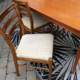 Vintage 4 stolar IKEA Della/ Klint danska 60 tal