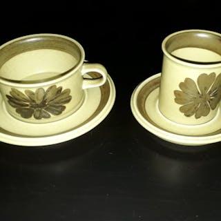 Arabia, 4 st kaffekoppar + 4 st tekoppar mm.