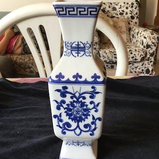 1 Kina antik vase