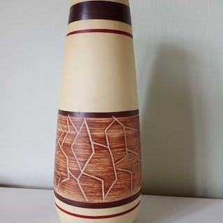 Vintage West-Germany golv-vas, förmodligen från Scheurich Keramik eller Bay.