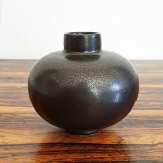 Arthur Percy Gefle Porslinsfabrik 40tal - Liten Vas Stengods - Magngania Glasyr