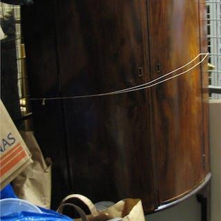Antikt skåp hörnskåp trä renoveringsobjekt *LÄS* *ENDAST AVHÄMTNING*