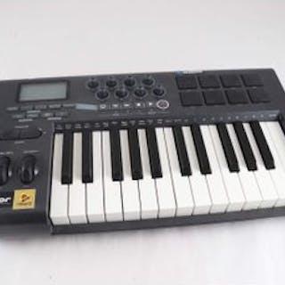 Midikeybord, M-Audio, Axiom 25