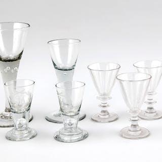Konvolut von sieben Gläsern, 18