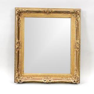Spiegel mit goldstaffiertem