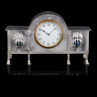 MANNER OF GEORGE WALTON FOR GOODYERS, LONDON  ARTS & CRAFTS SILVERED