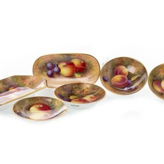 A LOT OF ROYAL WORCESTER FRUIT PAINTED PIN DISHES