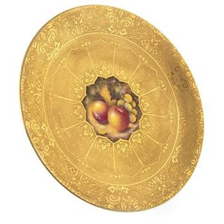 A ROYAL WORCESTER PLATE BY BRIAN LEAMAN