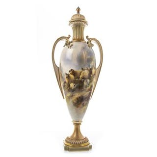 AN IMPRESSIVE AND RARE ROYAL WORCESTER VASE BY HARRY DAVIS