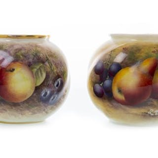A PAIR OF ROYAL WORCESTER PAIR OF VASES BY EDWARD TOWNSEND