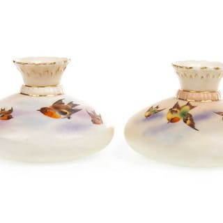 A PAIR OF LOCKE & CO WORCESTER VASES