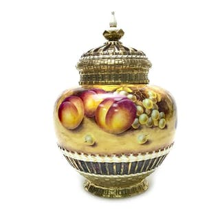 A ROYAL WORCESTER POT POURRI BY T NUTT