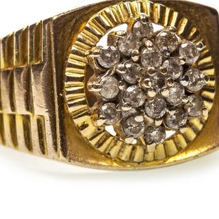 A GENTLEMAN'S DIAMOND RING
