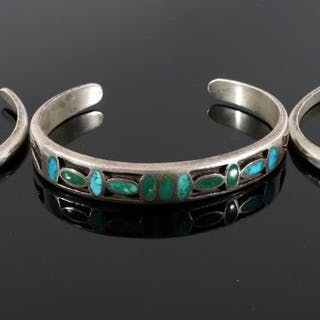 7198ffb28d9 Turquoise – Auction – All auctions on Barnebys.com