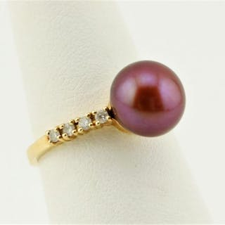 14K Gold Ring w/Rose Brown Pearl. Diamonds
