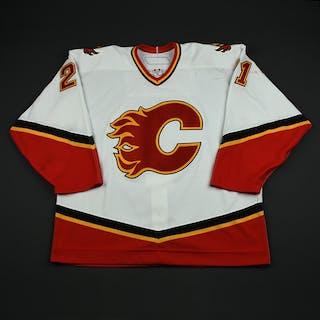 Hale, David White Set 3 / Playoffs Calgary Flames 2006-07 #21 Size: 56