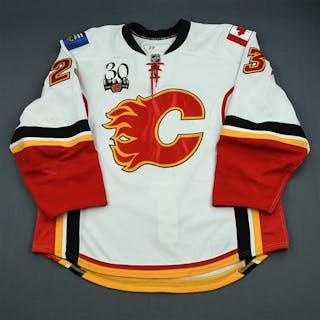 Nystrom, Eric White Set 2 Calgary Flames 2009-10 #23 Size: 56