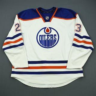Omark, Linus White Retro Set 1 Edmonton Oilers 2011-12 #23 Size: 56