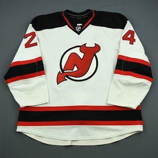 Salvador, Bryce White Set 1 New Jersey Devils 2011-12 #24 Size: 58+
