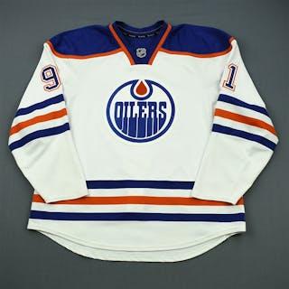 Paajarvi, Magnus White Retro Set 2 Edmonton Oilers 2011-12 #91 Size: 56