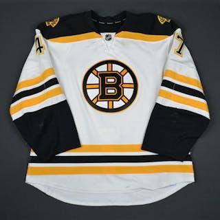 Krug, Torey White Set 1 Boston Bruins 2015-16 #47 Size: 56