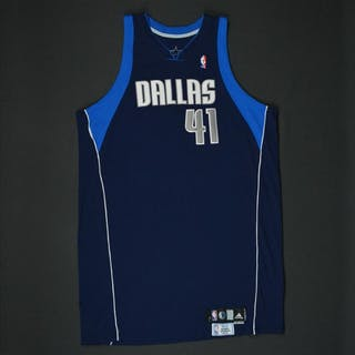 Nowitzki, Dirk * Navy Set 1 - Worn in 19 Games - Photo-Matched to