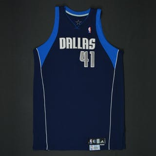 Nowitzki, Dirk * Navy Set 2 - Worn in 23 games -Photo-Matched to 6