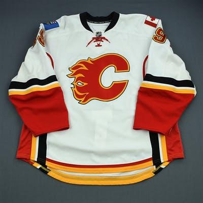 Modin, Freddy White Set 3 Calgary Flames 2010-11 #19 Size: 58+