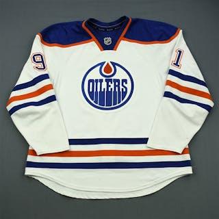 Paajarvi, Magnus White Retro Set 1 Edmonton Oilers 2011-12 #91 Size: 56