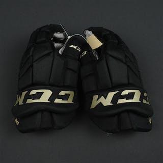 Schultz, Nick Third CCM Tacks Gloves Philadelphia Flyers 2015-16 #55 Size: 14