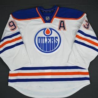Nugent-Hopkins, Ryan White Set 1 w/A Edmonton Oilers 2015-16 #93 Size: 56