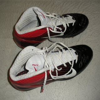Nicks, Hakeem * Black & Red Nike Alpha Speed Cleats, Autographed &