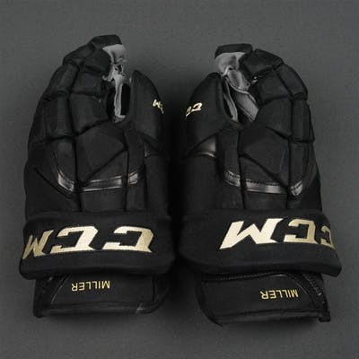 Miller, Colin CCM HG12 Gloves, worn in Winter Classic Practice on