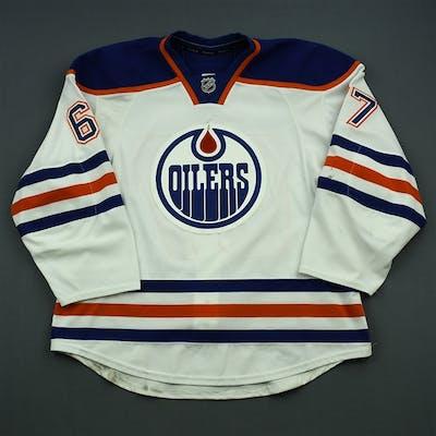 Pouliot, Benoit White Set 3 Edmonton Oilers 2014-15 #67 Size: 56