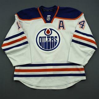 Eberle, Jordan White Set 1 w/A Edmonton Oilers 2014-15 #14 Size: 54