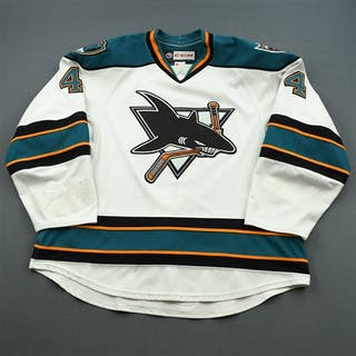 Doherty, Taylor * White Worcester Sharks 2014-15 #4 Size: 58+