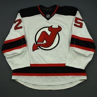 Matteau, Stefan White Set 3 New Jersey Devils 2014-15 #25 Size: 56
